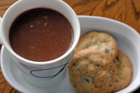 Hot-Chocolate-w-Cookies